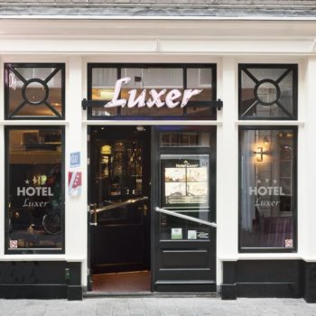 Hotel Luxer Amsterdam entrance